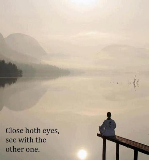 close both eyes see with the other one