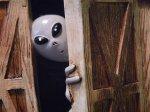 alien peek a boo