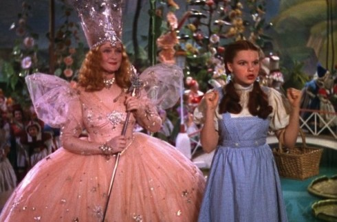 Glinda and Dorothy wizard-of-oz-dorothy-and-glinda-e1362694515257